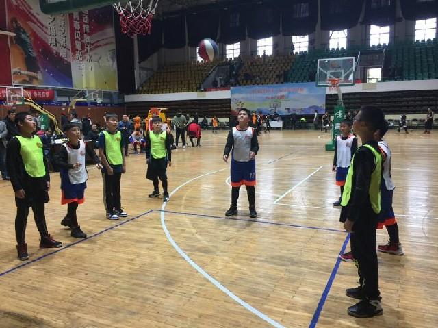 小篮球成就大梦想——小学部篮球队取得好成绩